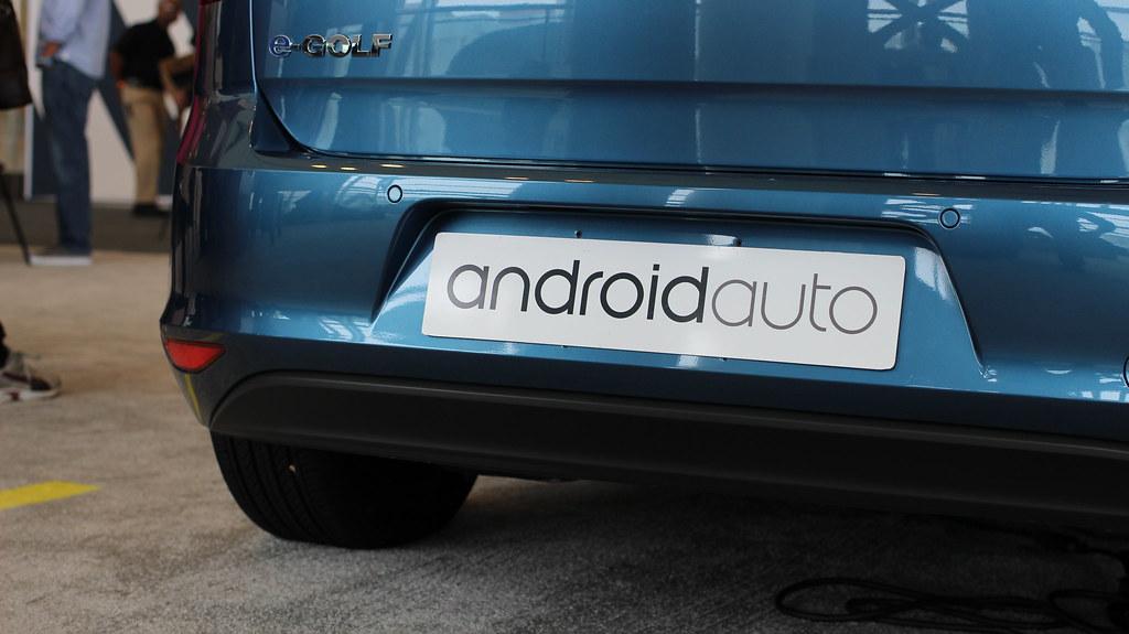 Come fare il Mirror Screen dello smartphone con Android Auto?