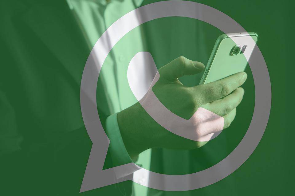Come inoltrare foto con didascalia su Whatsapp