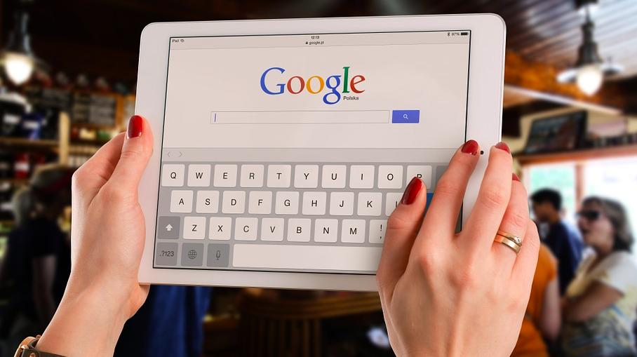 Come raggruppare le schede su browser Google Chrome