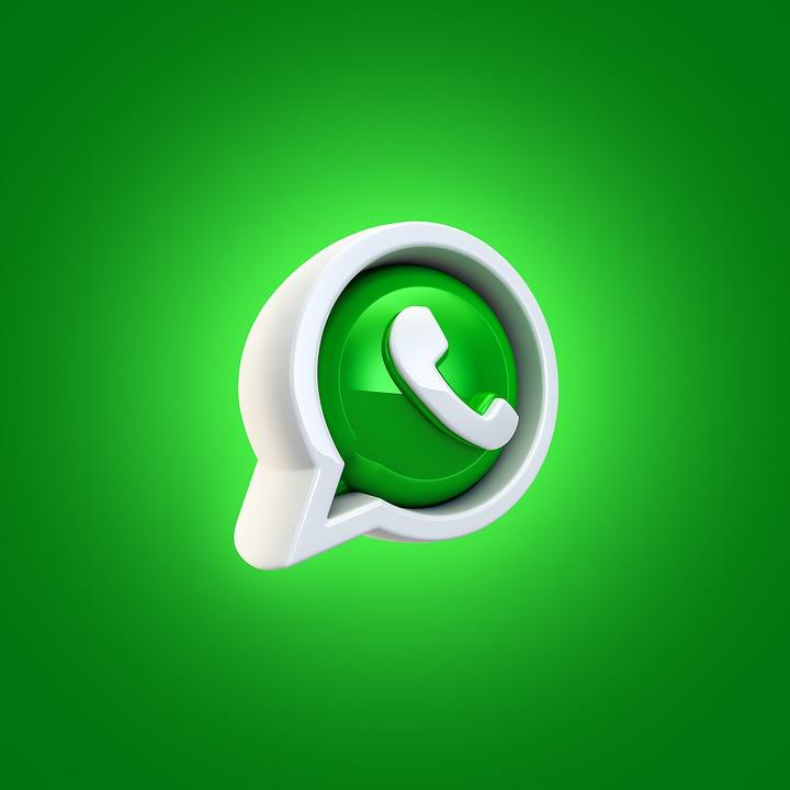 Si può salvare ed inoltrare uno stato su WhatsApp?