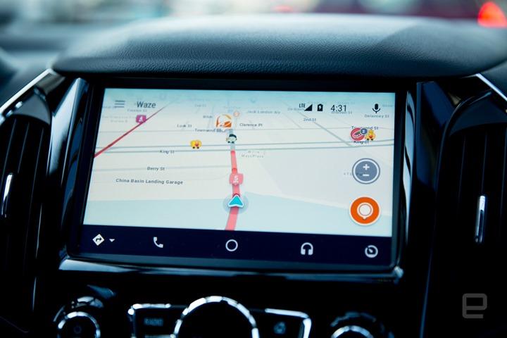Integrare Waze sulla dashboard di Apple CarPlay
