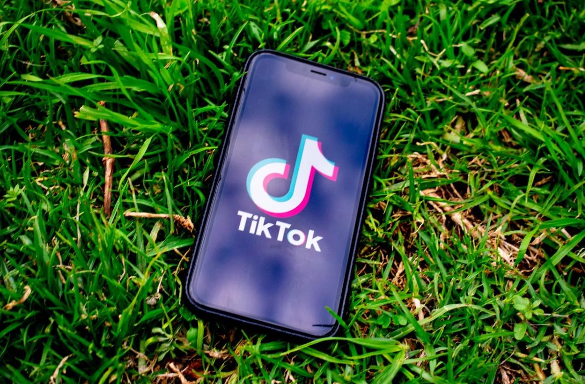 Come creare un video con foto e musica su Tik Tok