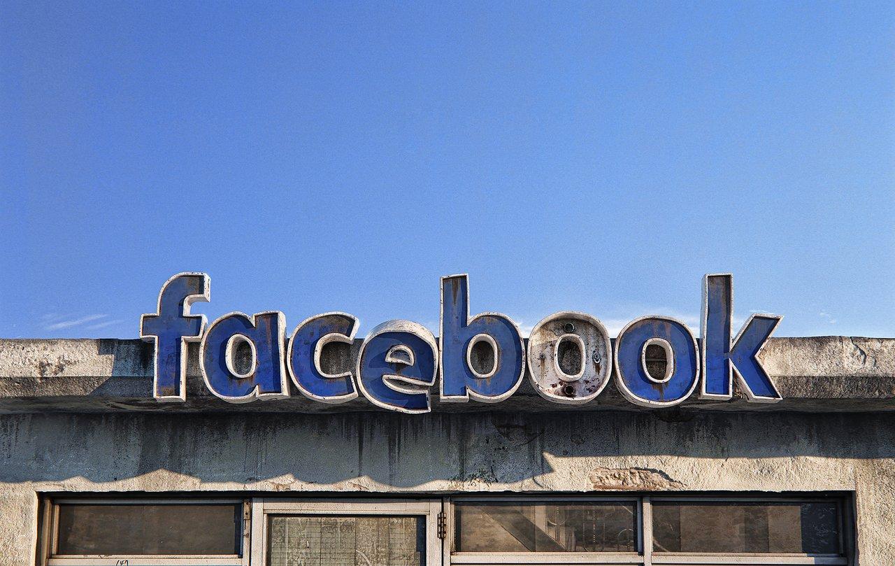 Assistenza Facebook per segnalare una pagina rubata del tuo account