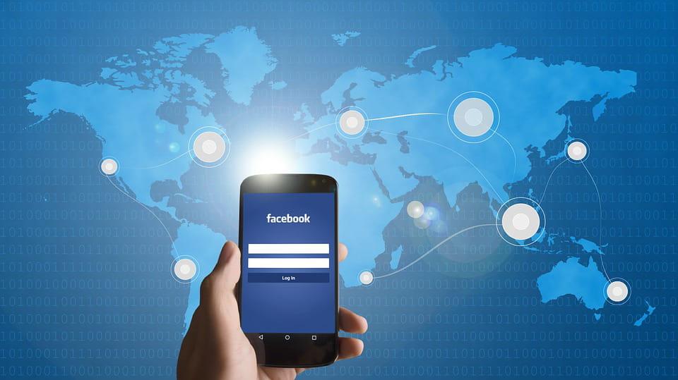 Facebook hackerato ed email cambiata: cosa fare?