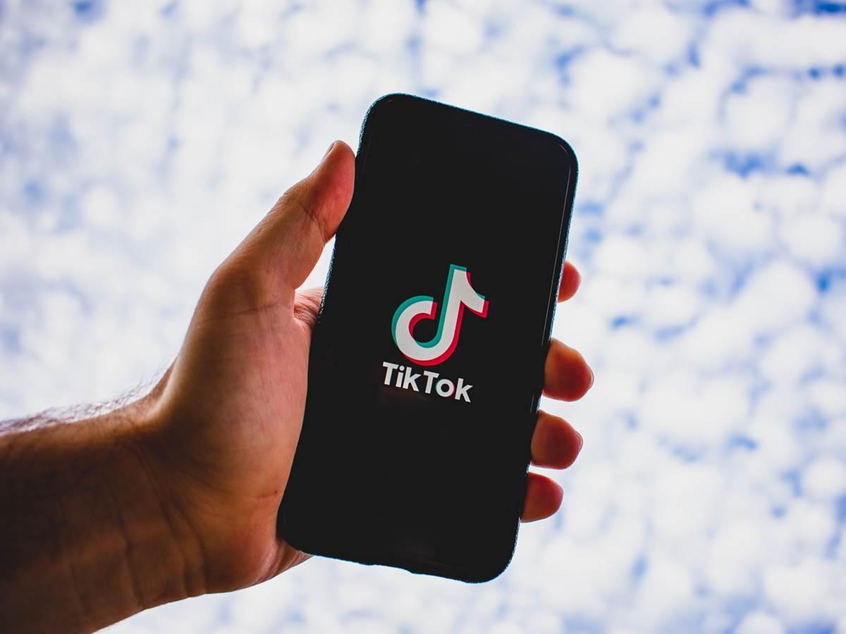 TikTok, video più divertenti e più lunghi per tutti