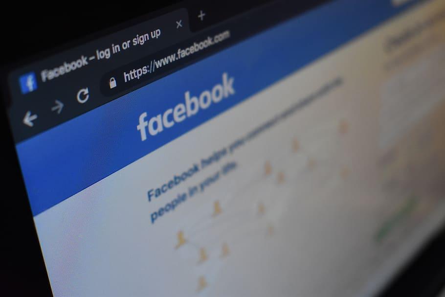 Qualcuno finge di essere te su Facebook? Stai calmo: segui questa procedura