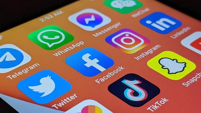 Svolta Google, vuole far vedere i video di TikTok e Instagram direttamente nei risultati di ricerca