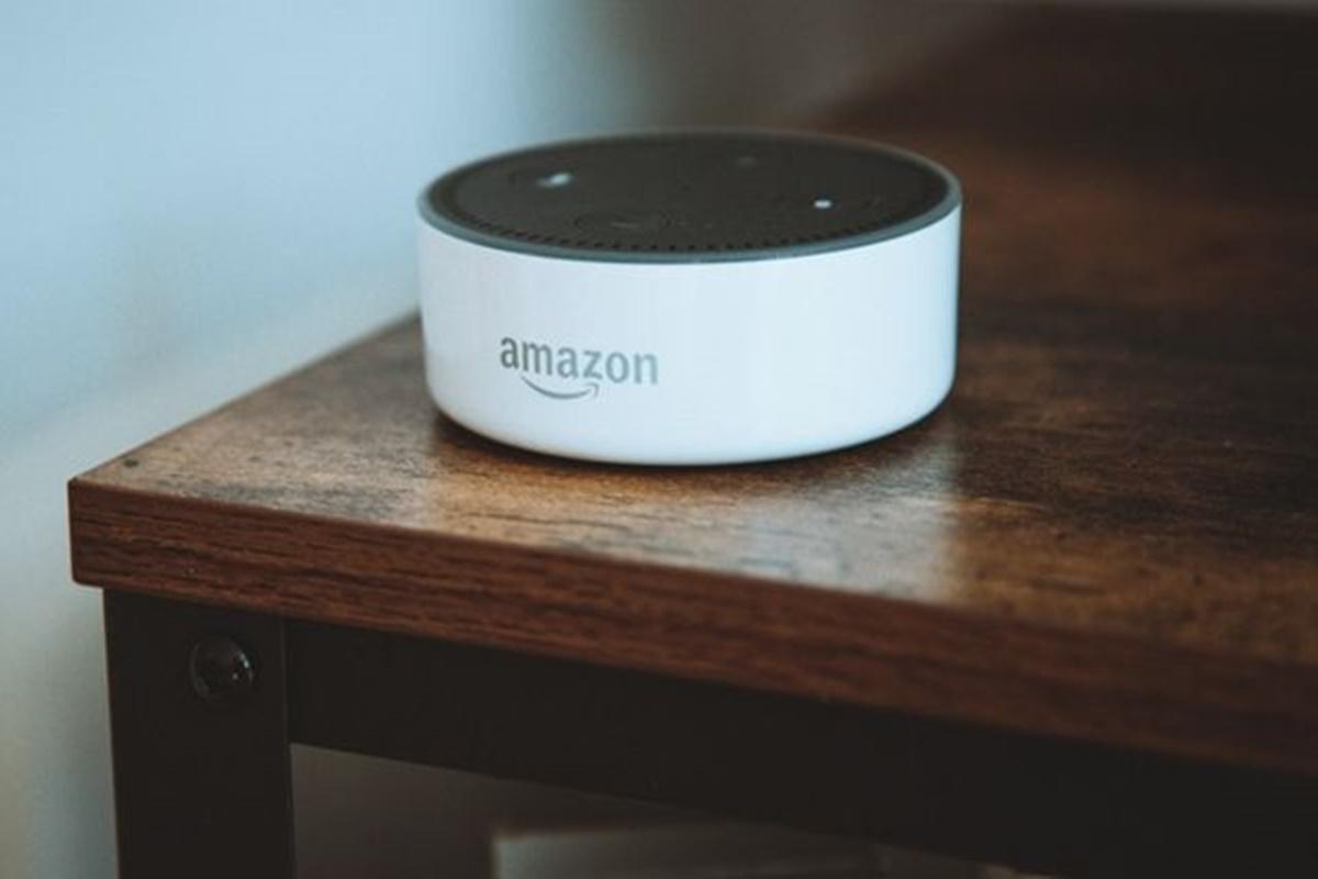 Amazon sta lavorando a una funzione audio dal vivo con Alexa, simile a Clubhouse