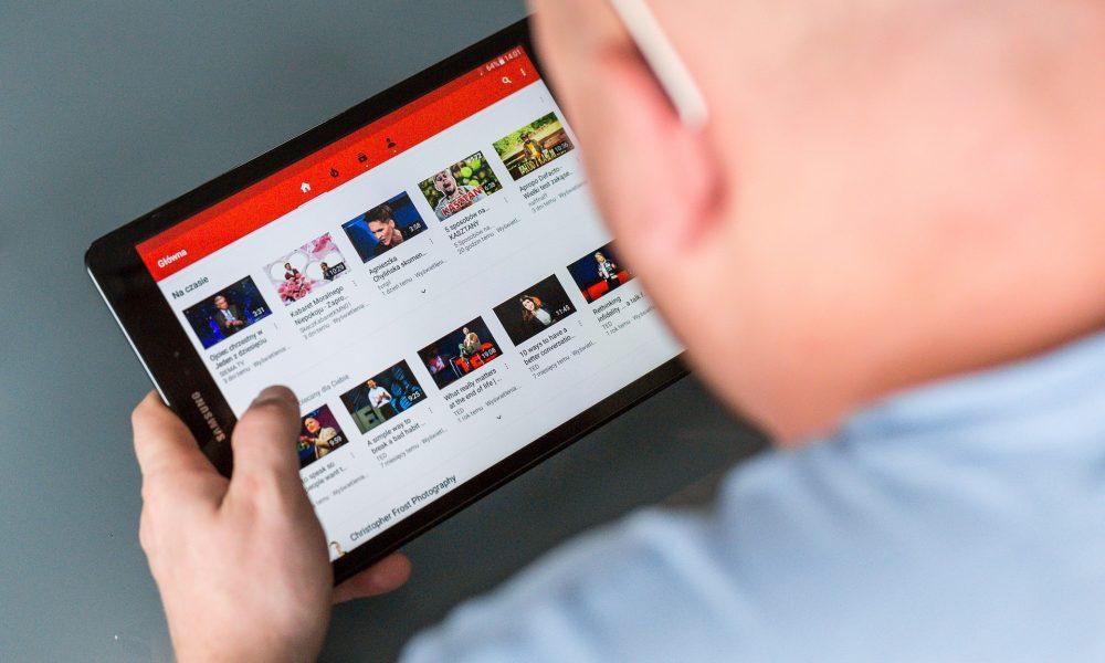 Come condividere il tuo canale YouTube su Facebook e Instagram