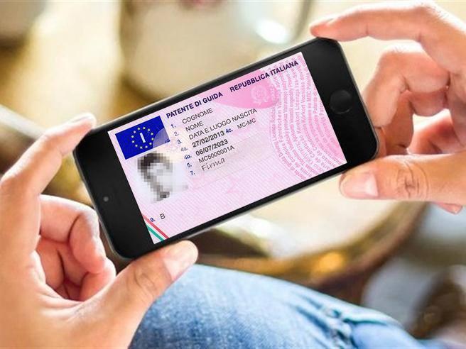 Gli americani stanno pensando di rilasciare le patenti di guida direttamente sul telefonino