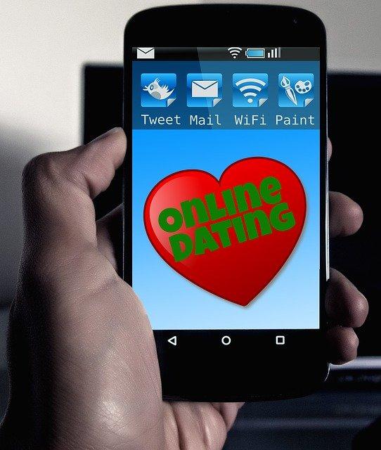 Per il Financial Times queste dating app sono pericolosamente usate dai 13enni