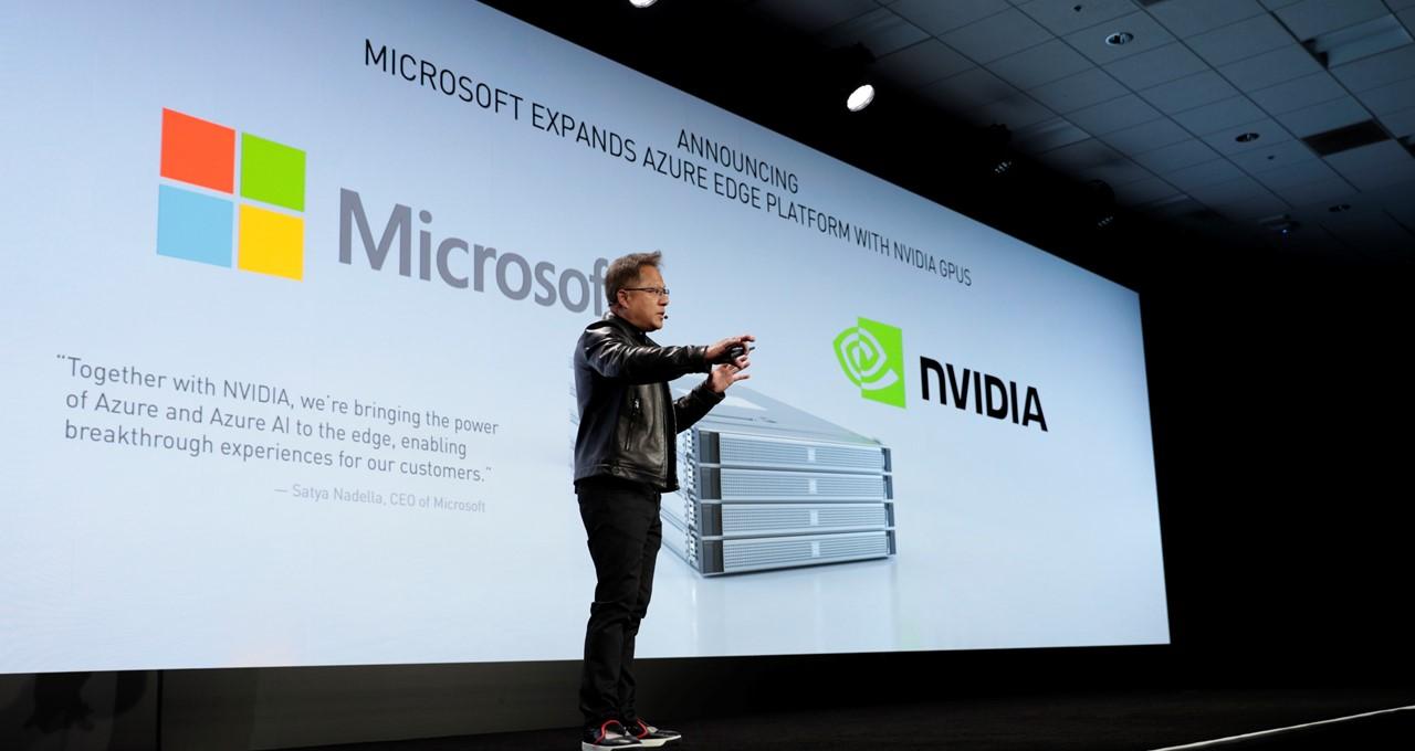 Microsoft assembla 4.500 schede grafiche di Nvidia per assemblare la più potente intelligenza artificiale del mondo
