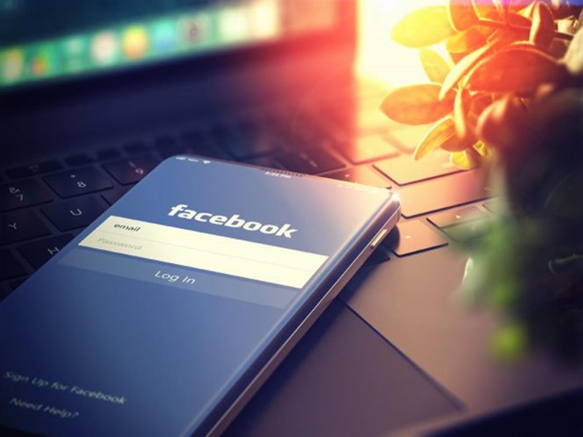 Accordo sul copyright tra Facebook e gli editori francesi di notizie